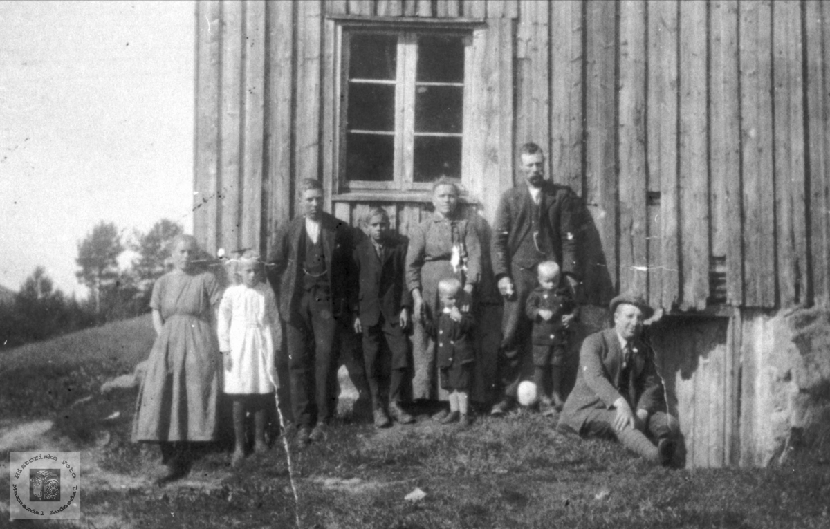 Gruppebilde Valebrok folk, Bjelland.