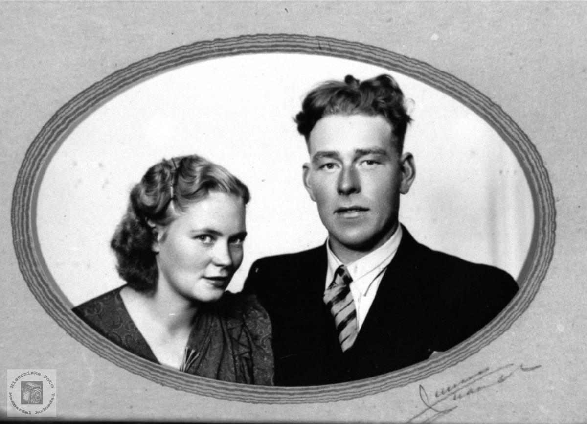 Portrett av ekteparet Ragnhild og Normann Bjørkelid, Laudal.