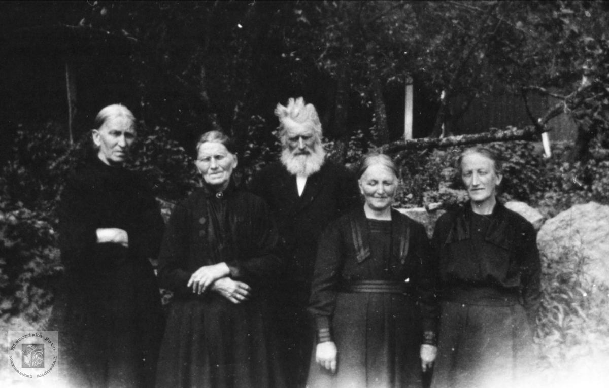Familiegruppe Usland, Øyslebø.