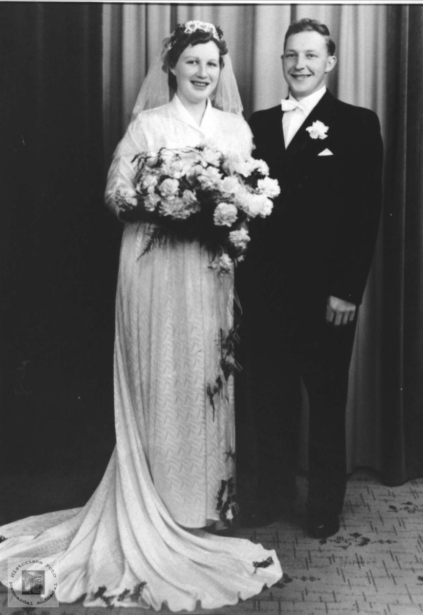 Brudebilde Solveig Irene og Harald Birkeland, Øyslebø.