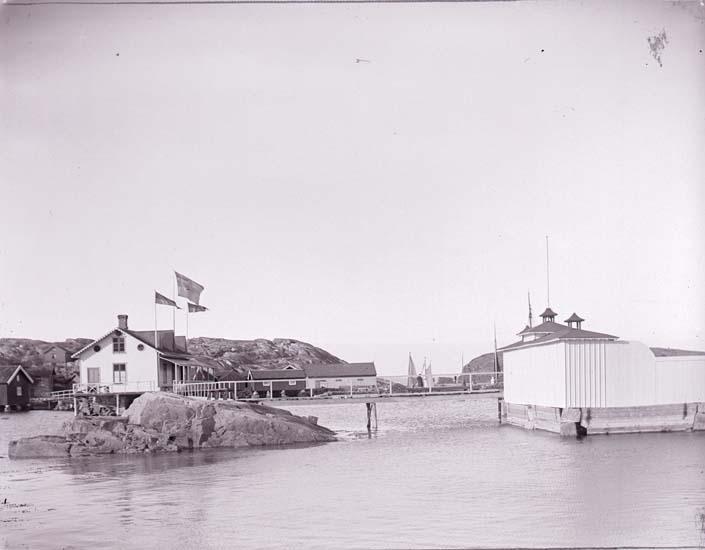 """Enligt text som medföljde bilden: """"Badhuset Gåsö""""."""