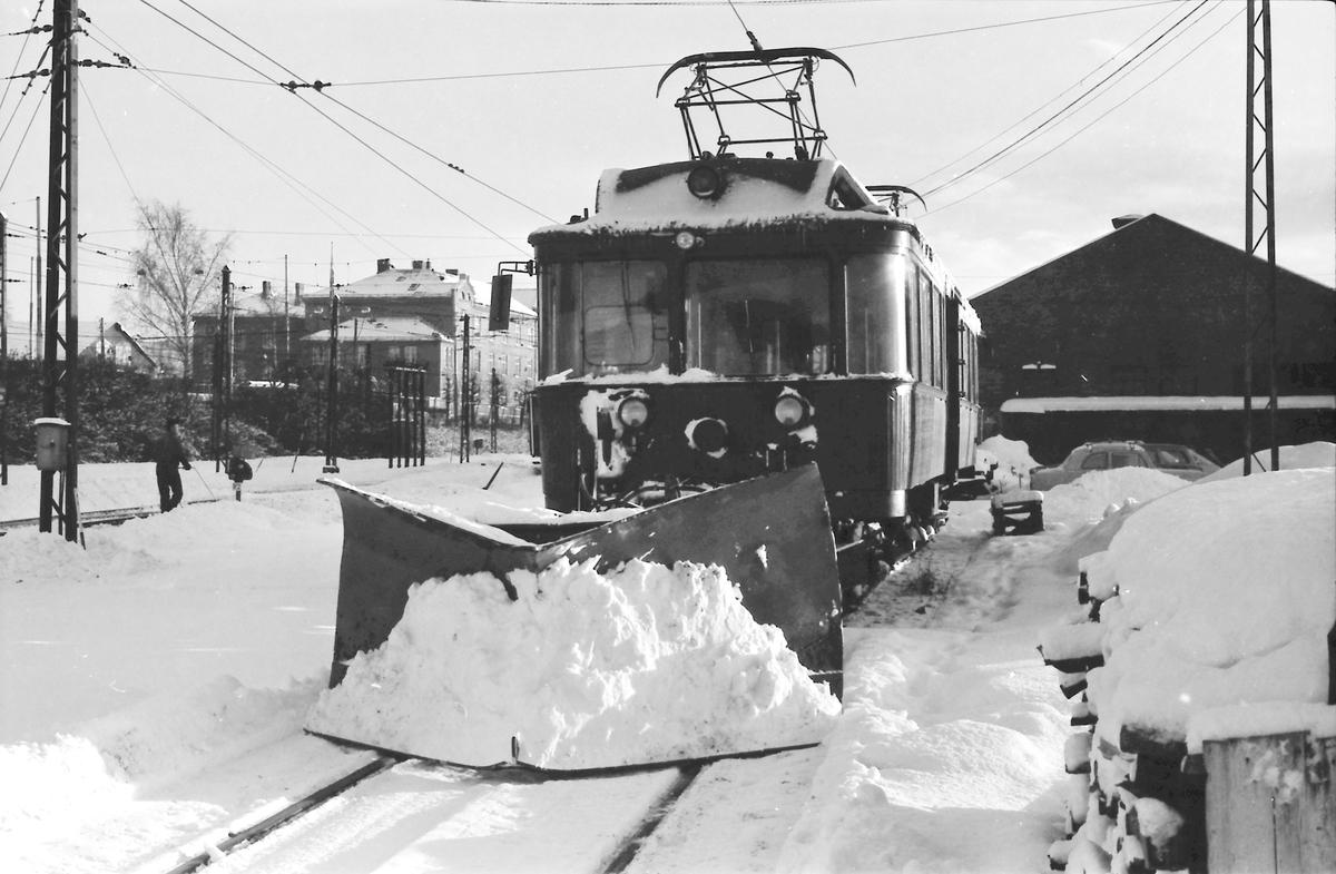 A/S Holmenkolbanen. Arbeidsvogn. Vogn 32, type 1909 (Skabo, Westinghouse, HKB verksted)