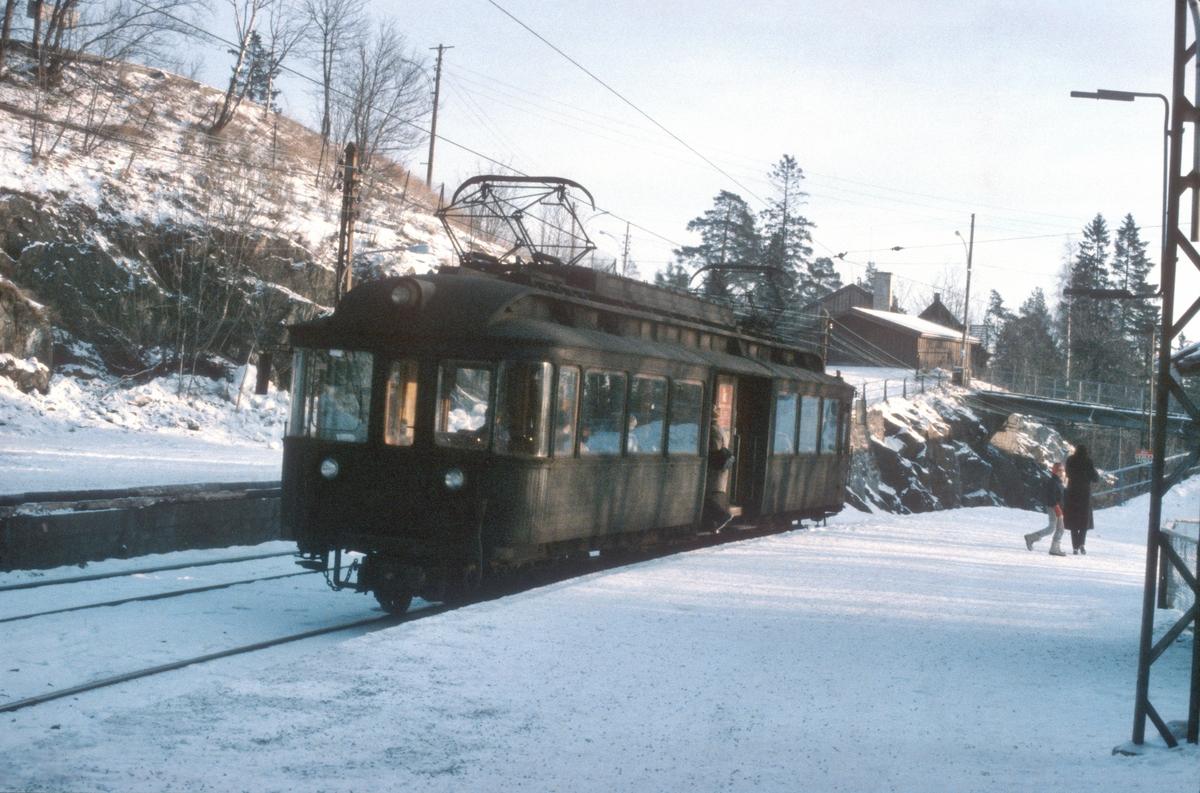 A/S Holmenkolbanen. Oslo Sporveier. Tryvannsbanen. Vogn 112, type 1935 (Skabo, Siemens Schuckert).