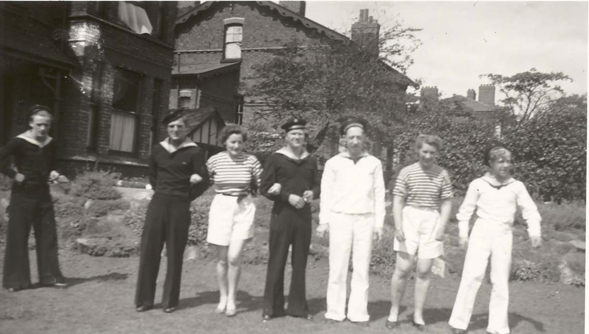 Motiv: Marinens Kvinnekorps 1942-1945 Fra rekruttskolen