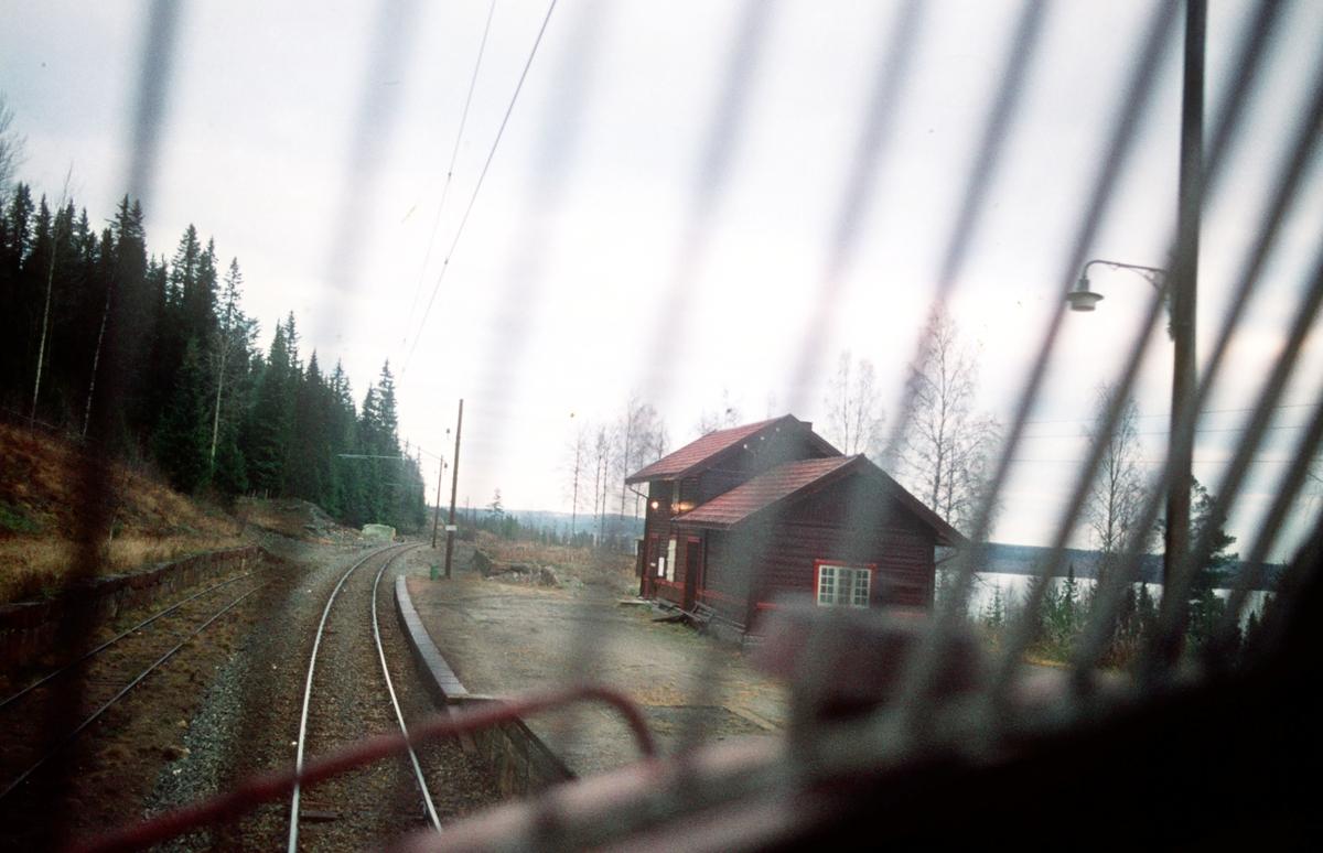 Hågård holdeplass sett fra lokomotiv, løslok Oslo Ø - Eina.