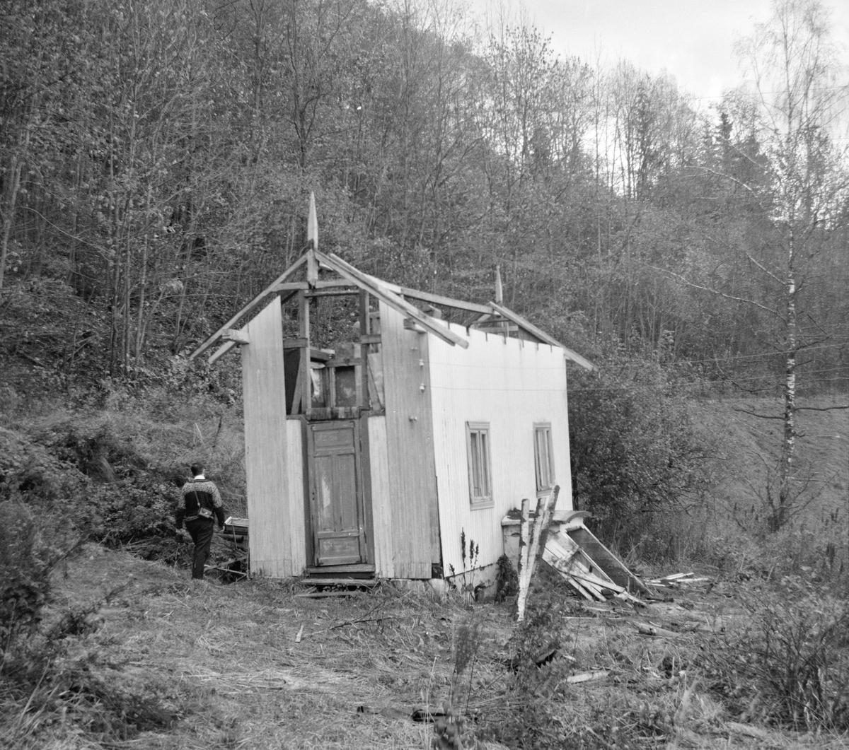 Tronstad stasjon på nedlagte Lierbanen.