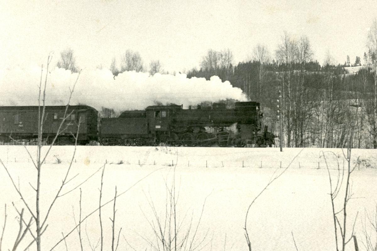 Godstog på Solørbanen med damplok 26c nr. 435.