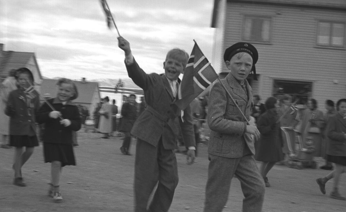 Barnetog går i Joki -svingen i ytrebyen i Vadsø. Barna er ukjent.