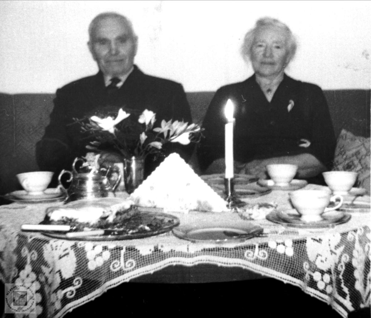 Gullbrudepar. Olav O. og Maren Lauvdal.