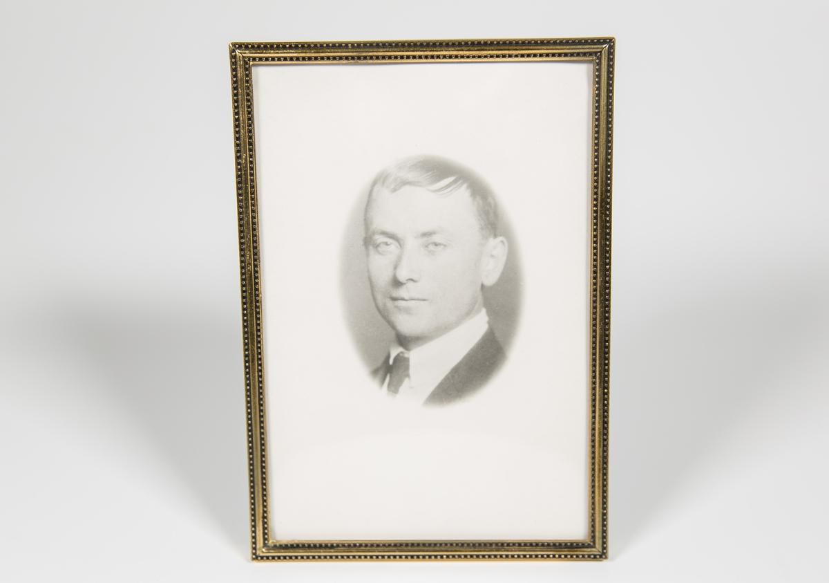 Tuften Garborg (Arne Olaus Fjørtoft Garborg, 1888-1968)