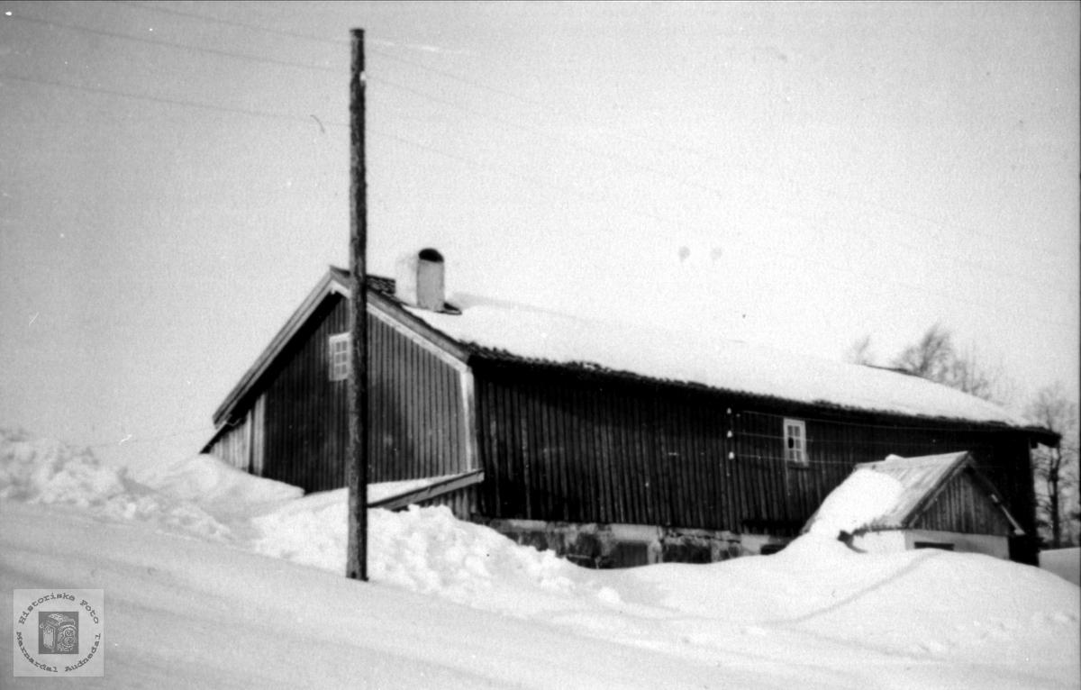 Drifsbygning på Bruskeland.