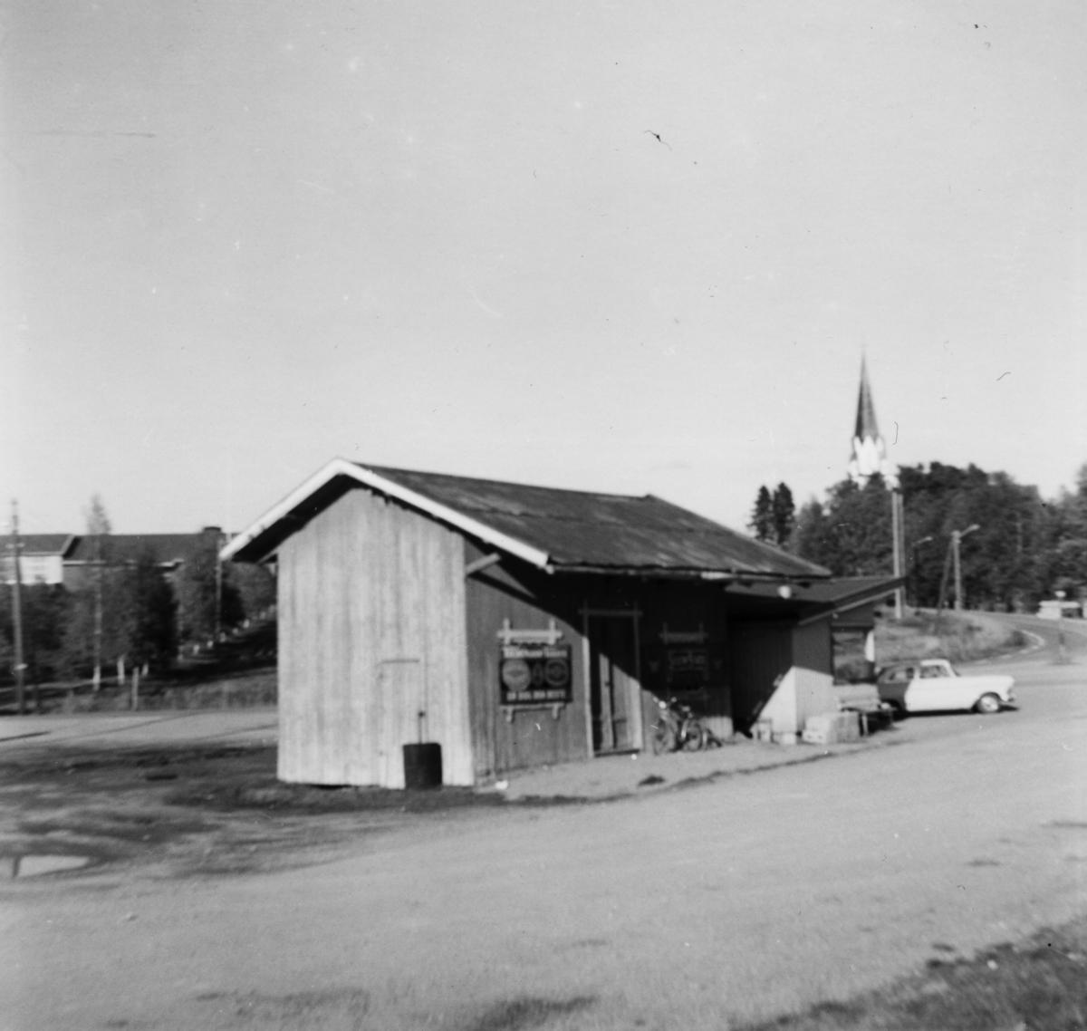 Godshuset på Løken stasjon på nedlagte Urskog-Hølandsbanen.