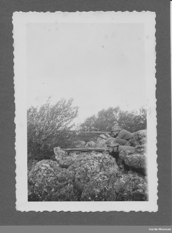 Tyske soldater i Vadsø området 1940-1944. Soldater i kampsituasjon?