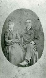 Portrettbilde av ekteparet Hanna Hansdatter og Nils Korneliu