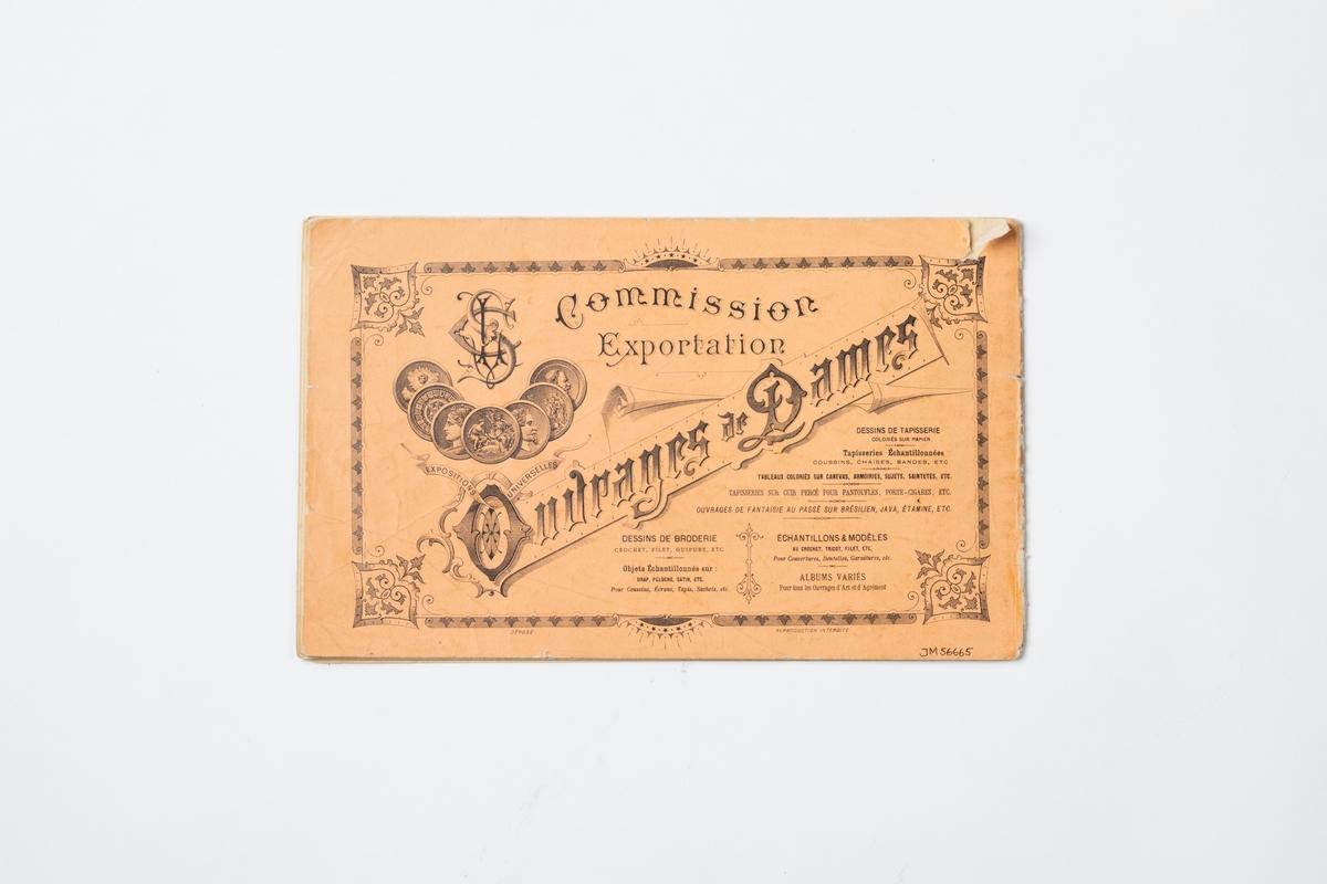 "Broderimönster i häfte med omslag av orange papper. Häftet innehåller 16 mönsterblad med tryckta bokstäver/monogram på smårutat papper. På omslagets framsida tryckt text: ""G. LEFÈVRE & CABIN FILS successeurs. Dessins de Broderies 74. Boul.d Sébastopol PARIS Album No. 601"". Tryckt text på baksidan av omslaget."