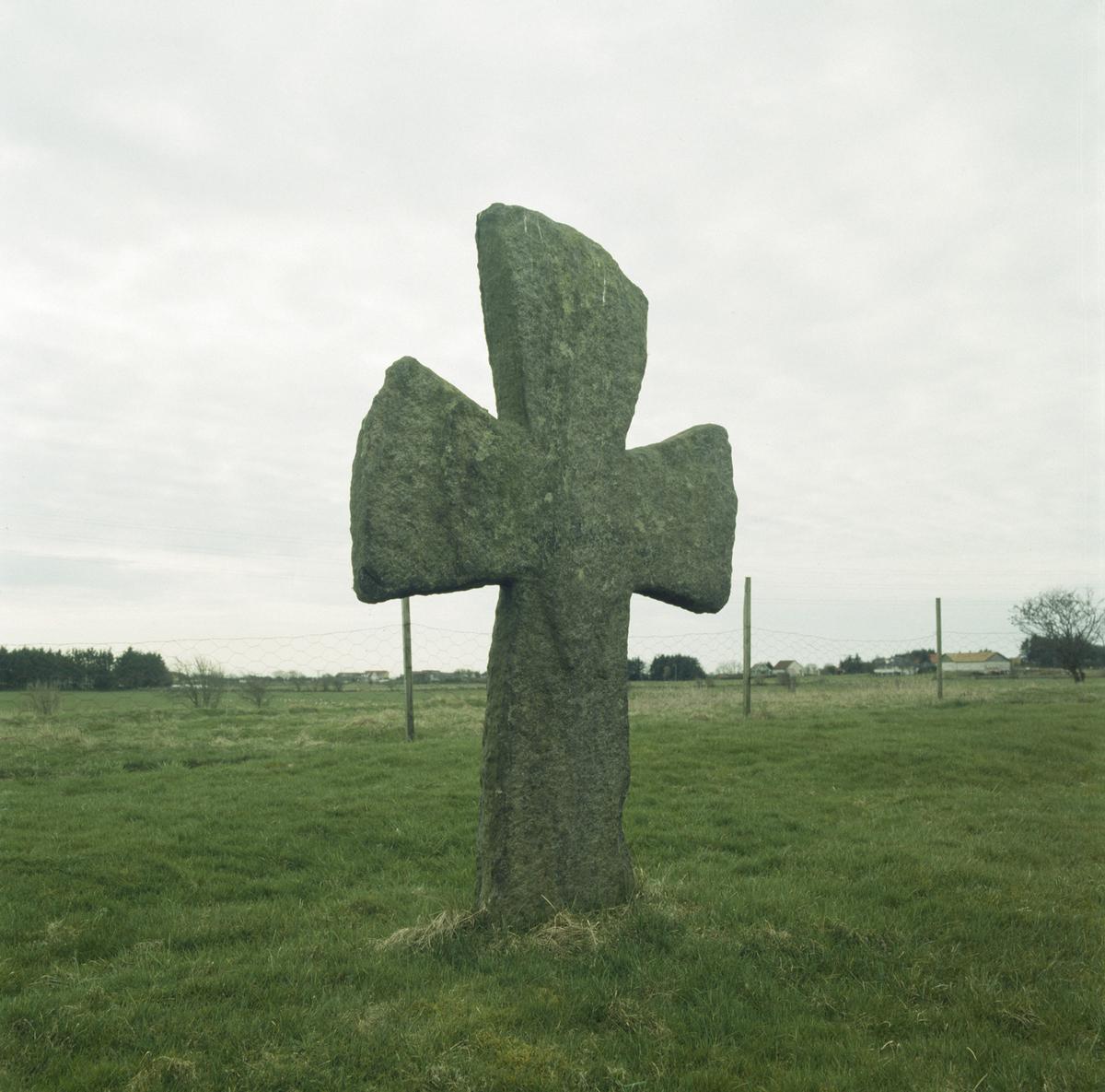 Kors, Tjora gamle kirkegård ca 1100-1842.