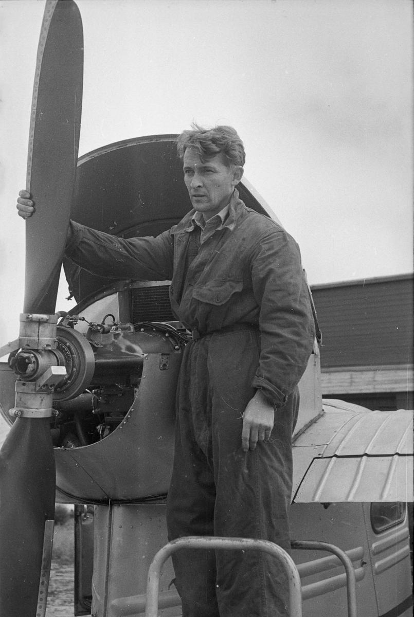Flymekaniker Kjell Hansen