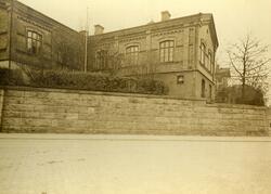 Nybroplan vid Västerlånggatan med kvarteret Capella (gamla s