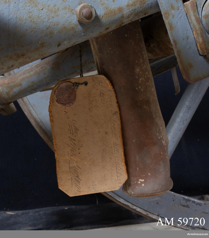 Grupp F I. Riktskruvsfodral till 8 cm förändrad kanon m/1881.