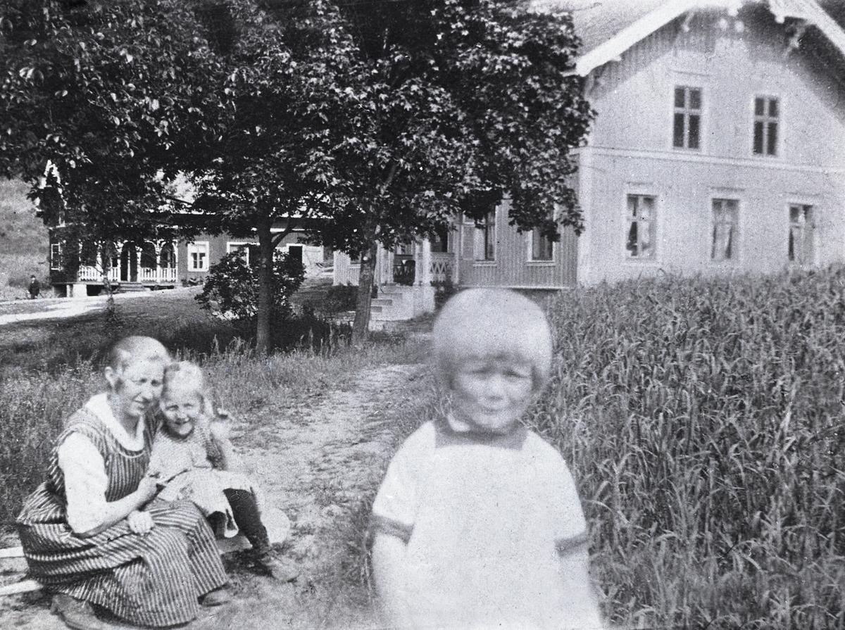 Frå Vatnar,  Kari, Anne og Jørgen