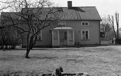 Byggnadsinventering 1972. Plåtslagaren 4. Bostadshus från NO