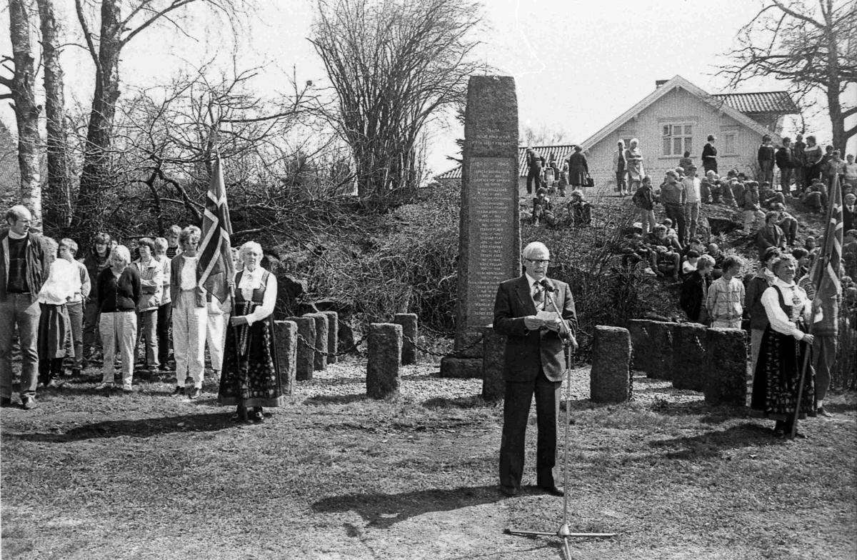 Bilder fra Birkenes kommune Frihetsmarkering ved Bautaen 8. mai 1985