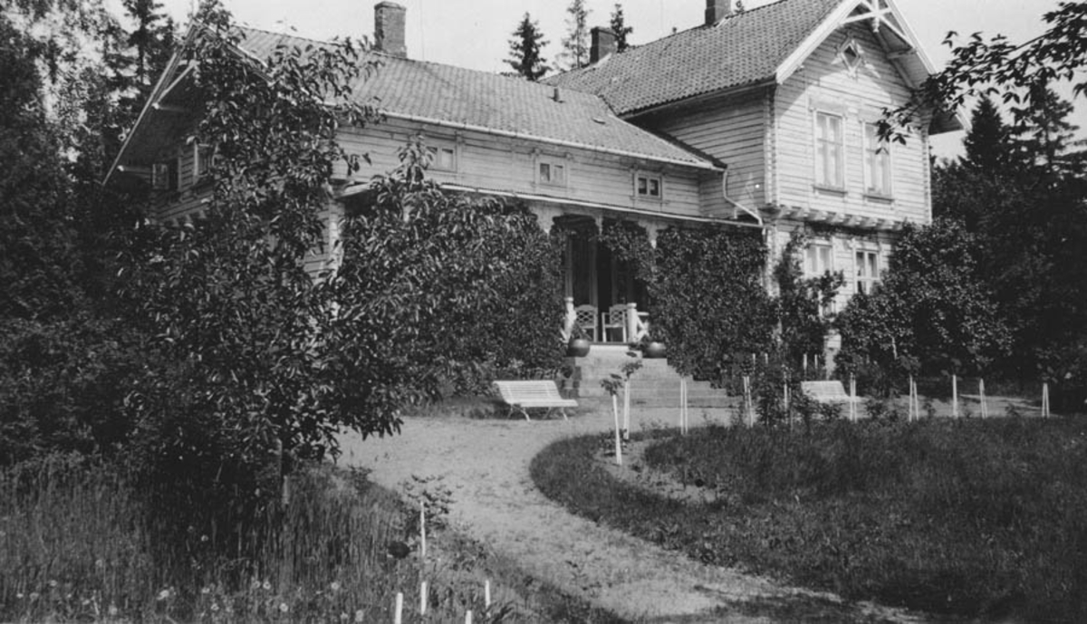 Hus og have. Waldemarhøy syd fasade