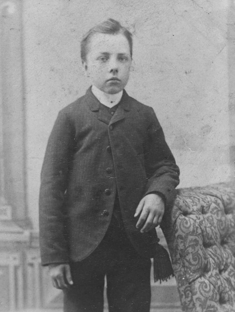 Hans Anton Thoug, født på Thoug 28/5-1881, død 10/1-1959