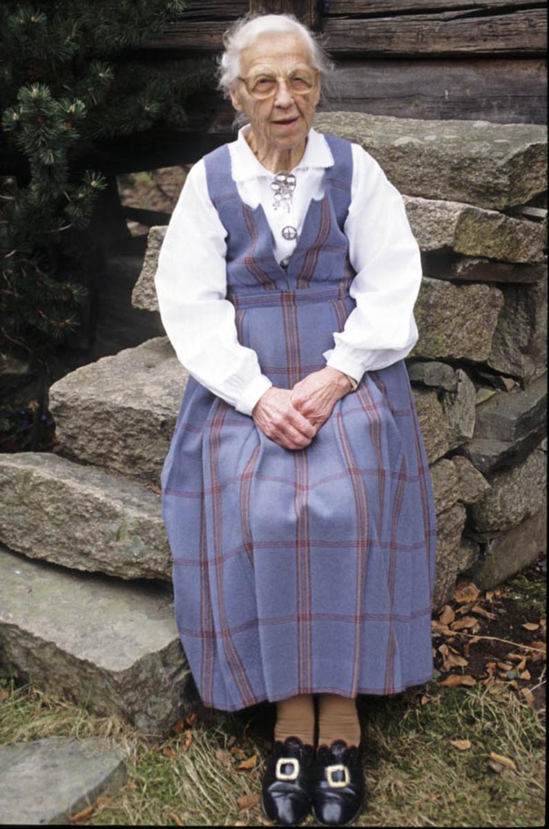 Gunhild Bakke, Asker museums første bestyrer.