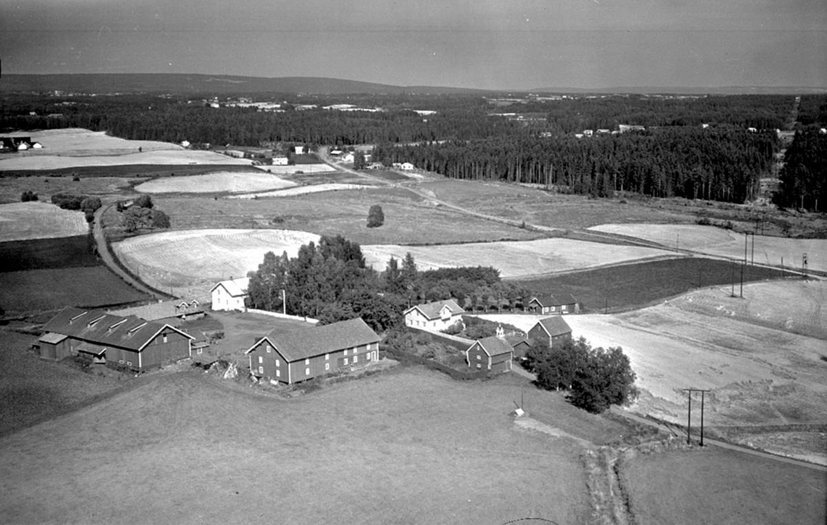 Flyfoto, Balke gård, Løten. Landskap