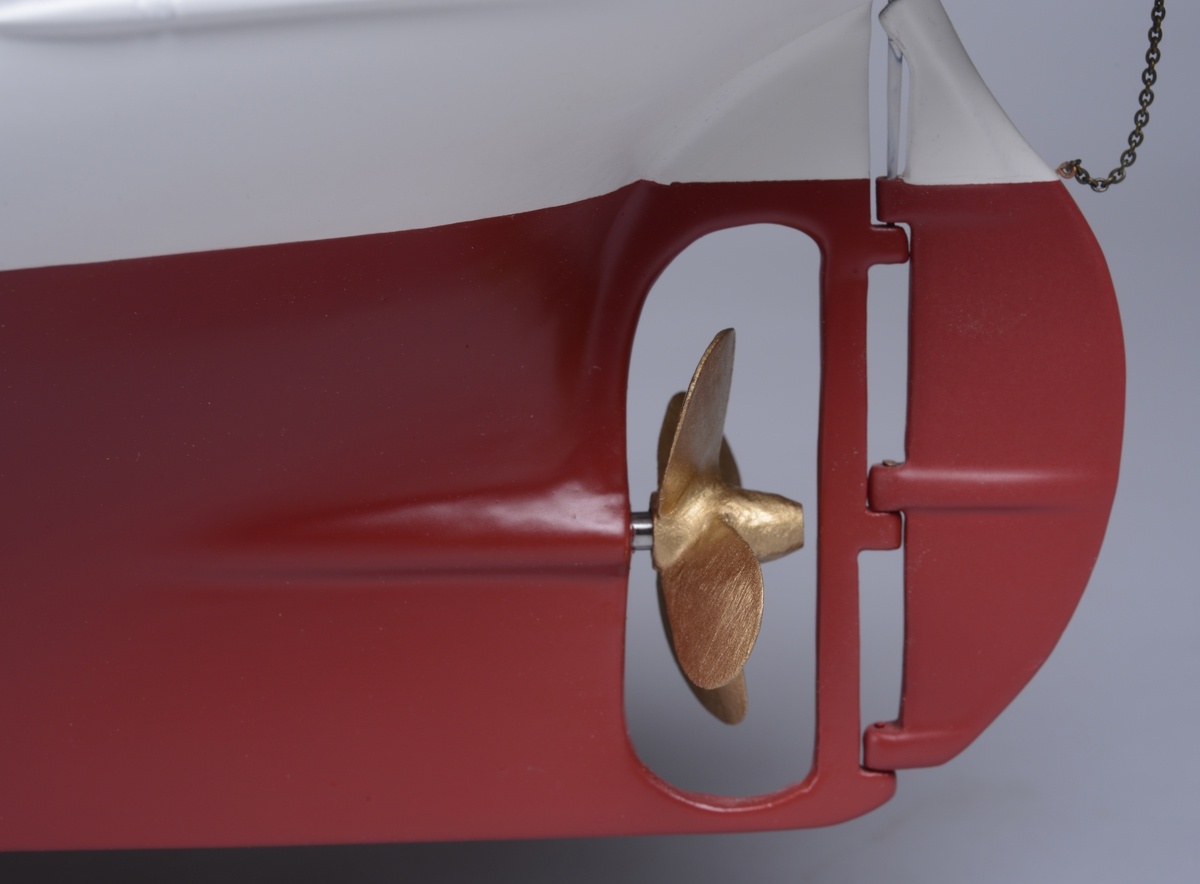 Modell av båten D/S Orkla som var eid og drevet av Chr. Salvesen & Chr. Thams mellom 1908-1949.
