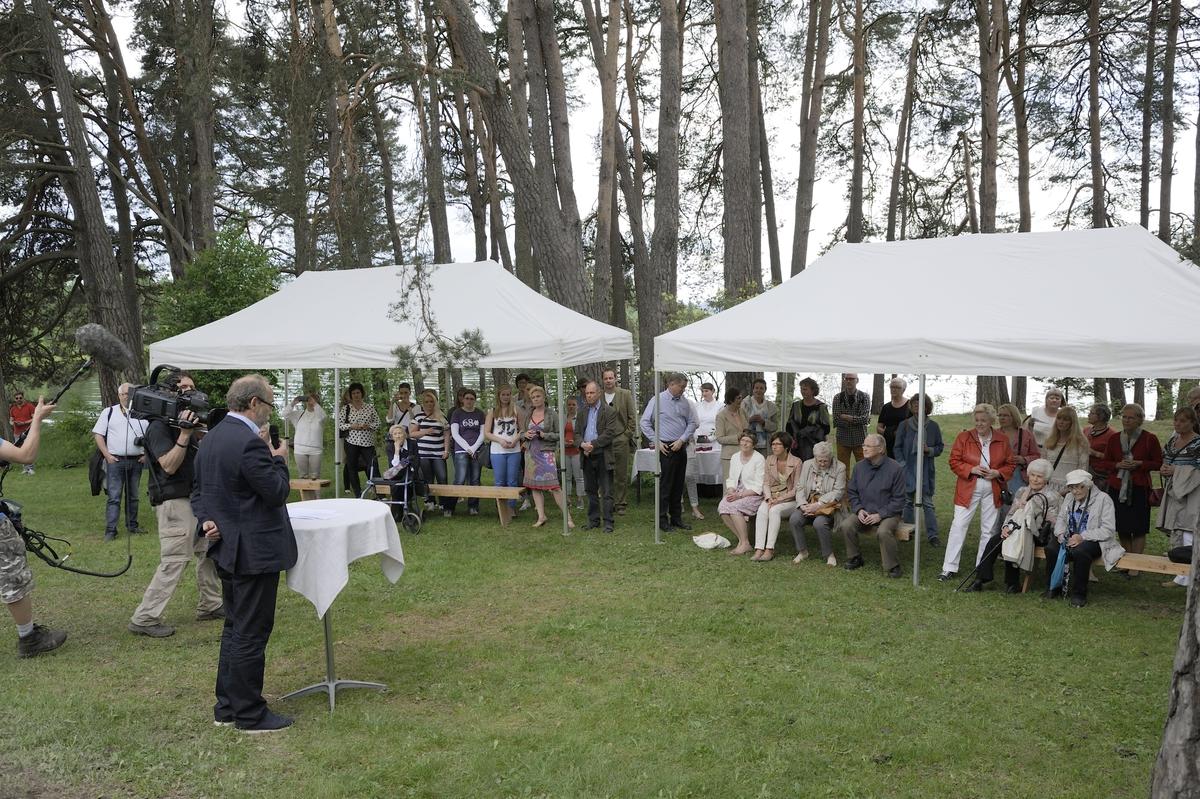 Åpning Kokebokhuset - Rosenlundstua, Domkirkeodden. Hedmarksmuseet. Hamar. Magne Rugsveeen holder tale.
