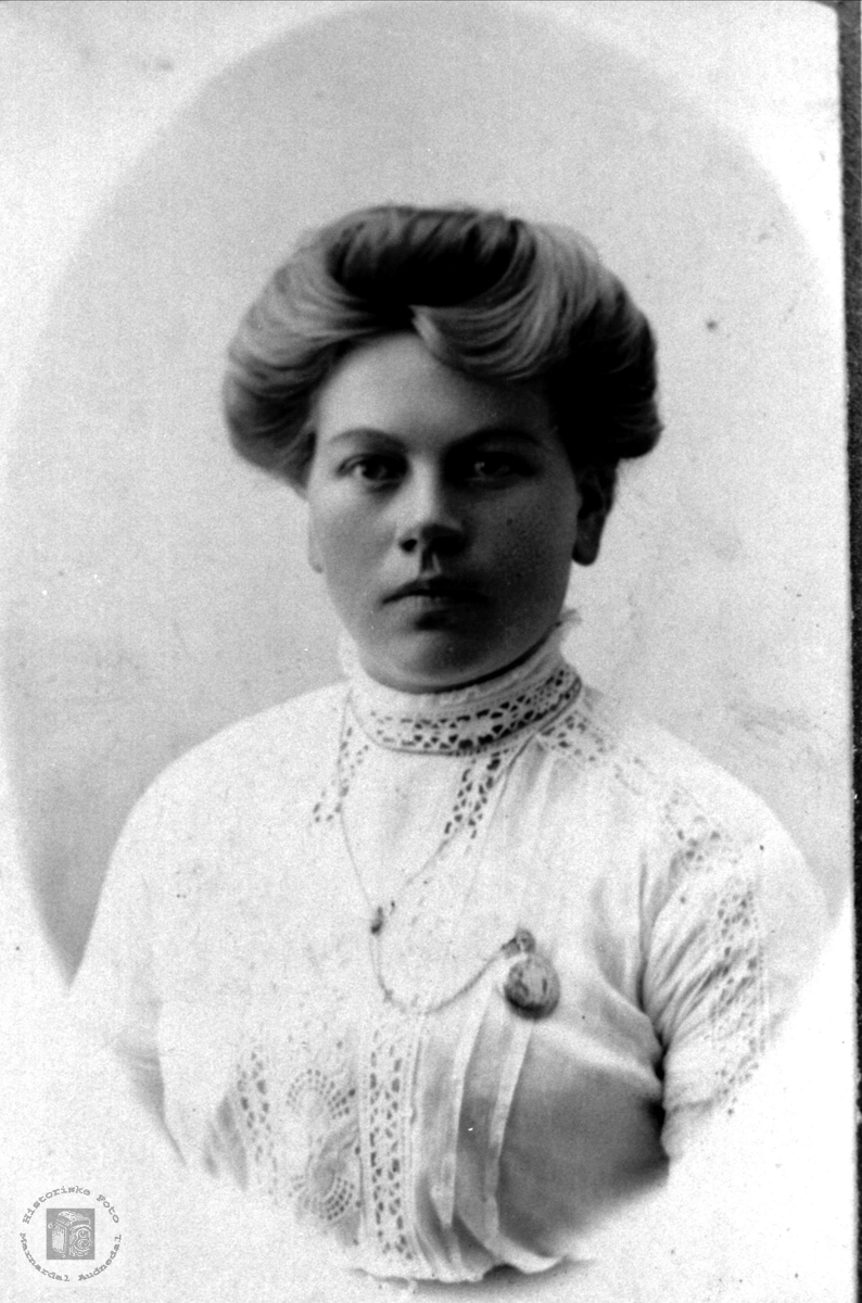 Portrett av Torborg O. Roland, Bjelland.