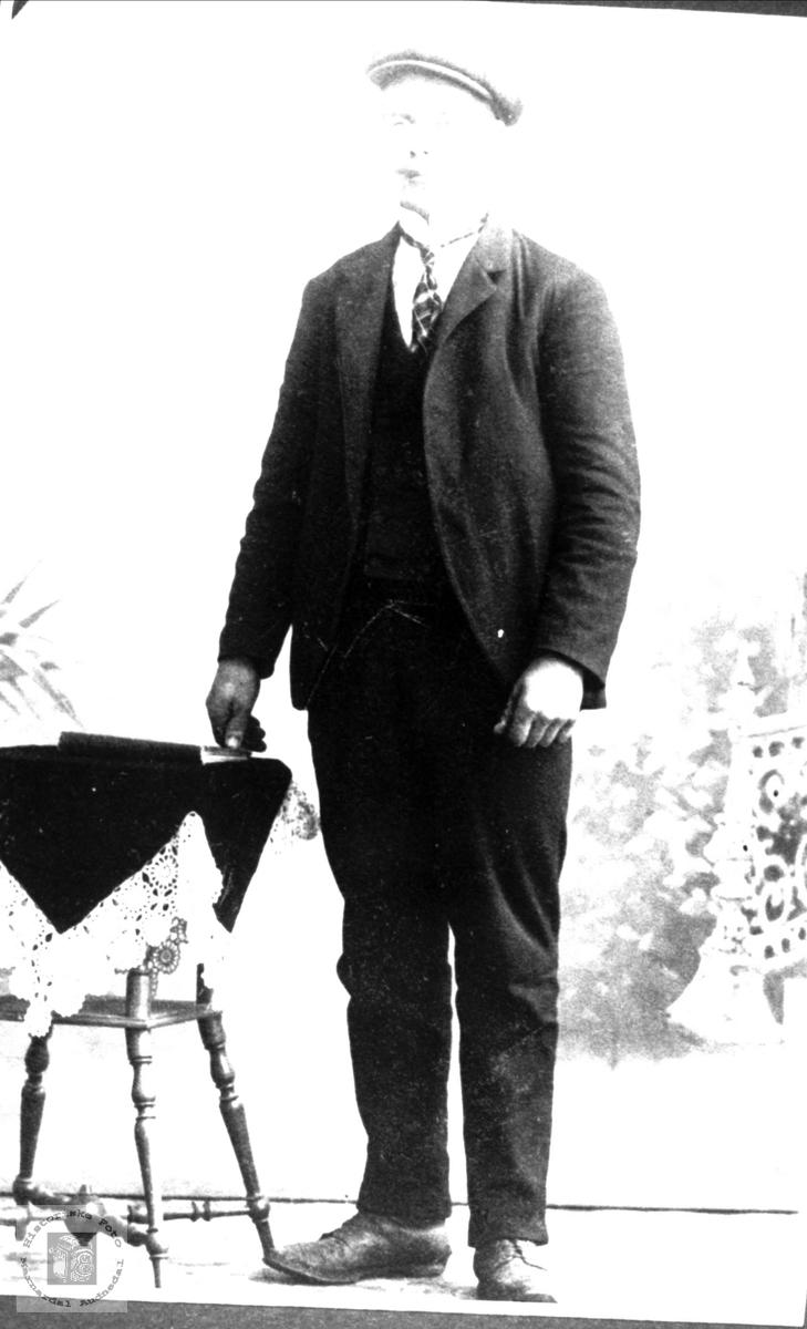 Portrett av Ånen Tomasson Stedjan, Bjelland.