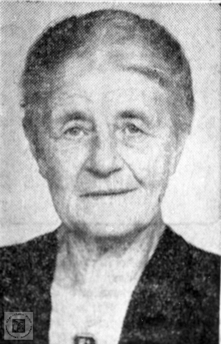 Portrett av Anna Haugland, Bjelland.