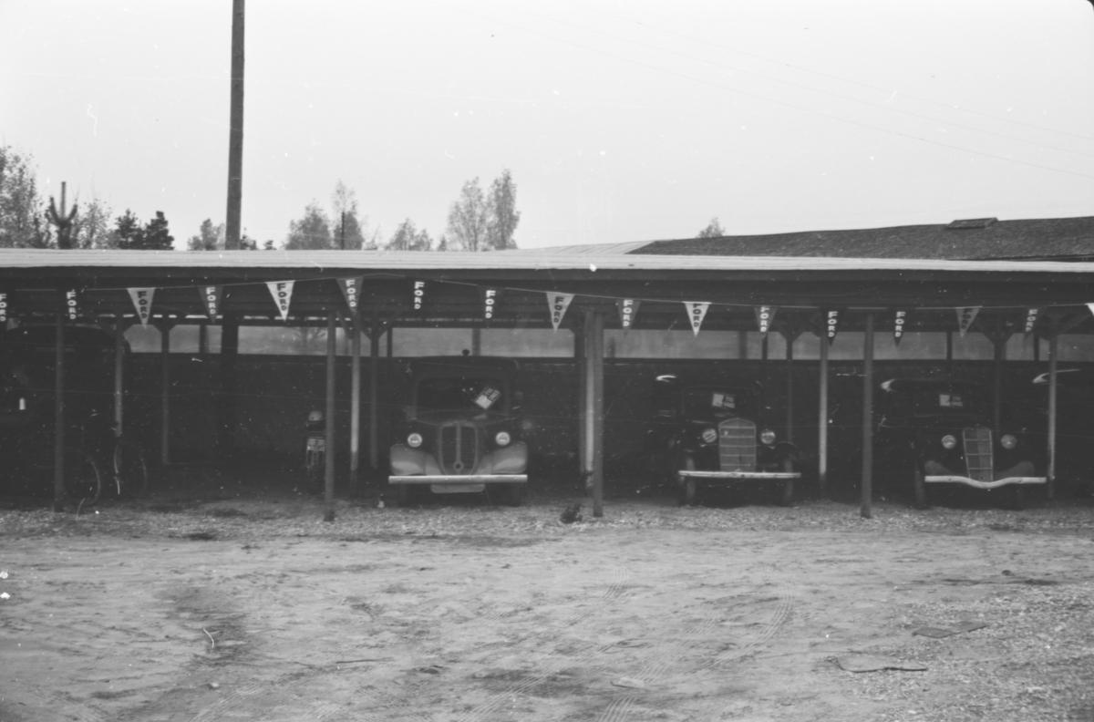 Bruktbiler ved Østerdal Motorkompani, Elverum.