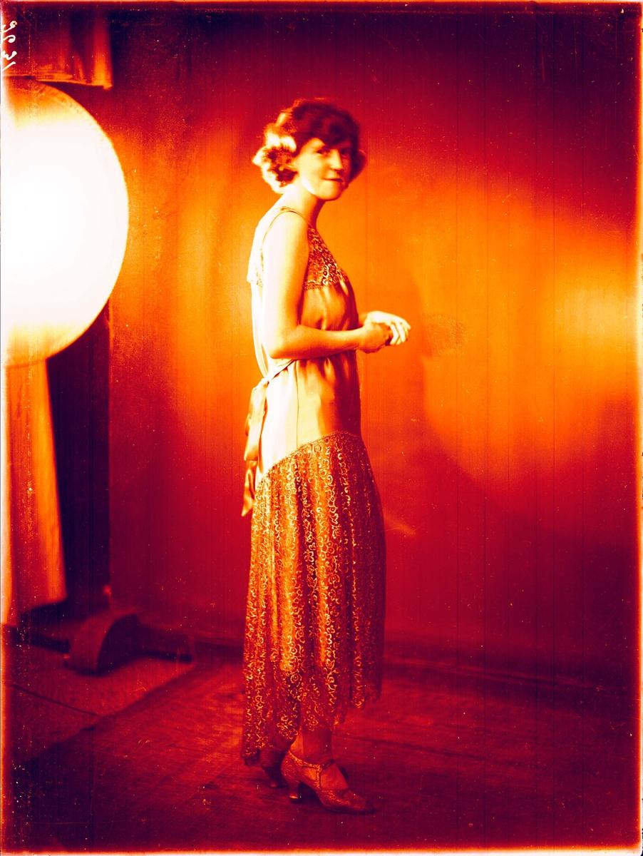 Portrett - En ung dame.