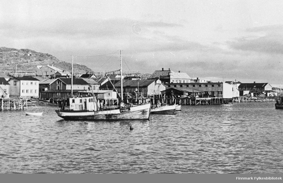 Kiberg havn sett fra Tomas-skjæret.