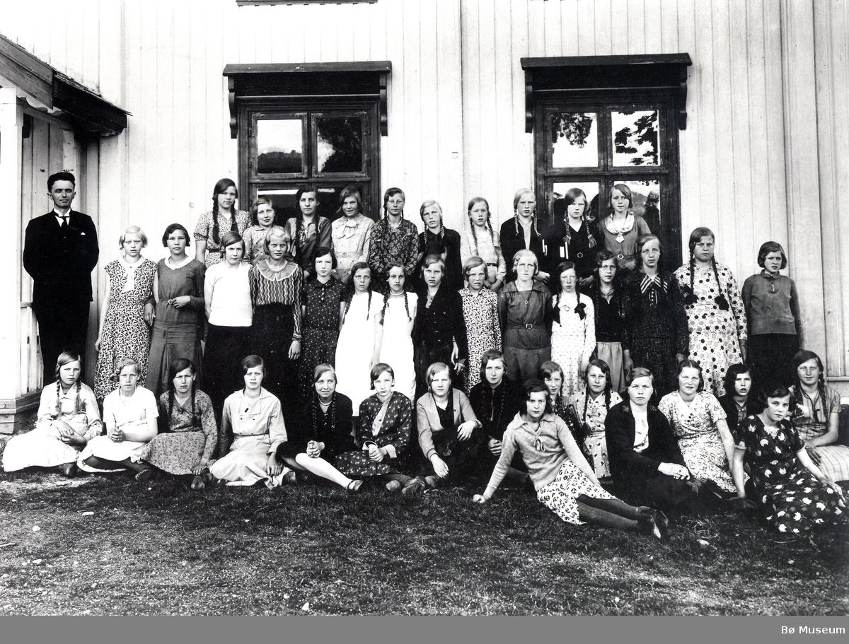 Konfirmasjonsbilde 1933, jenter
