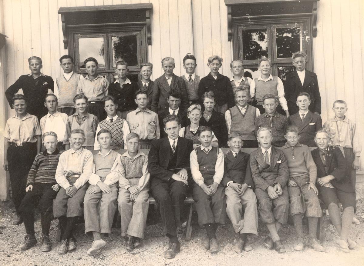 Konfirmasjonsbilde 1935, gutar