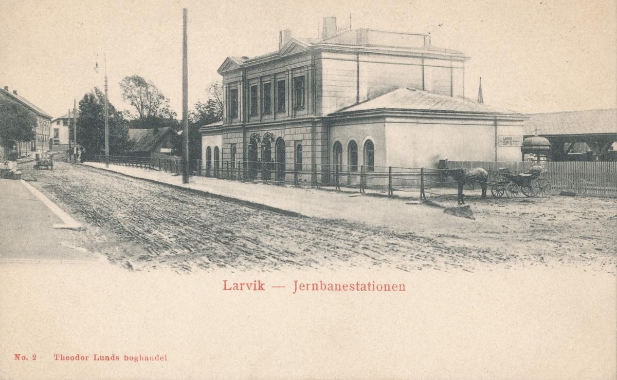 Larvik stasjonsbygning fra bysiden