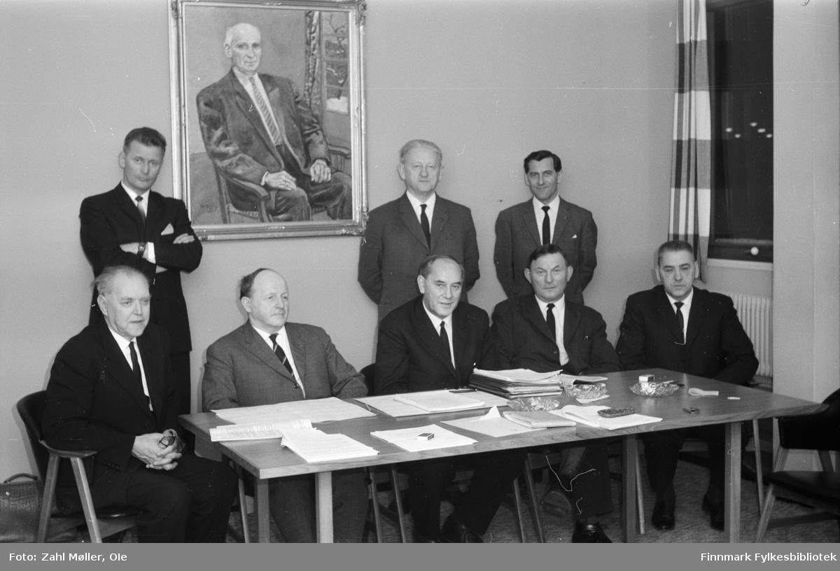 Vadsø 1967. Fylkesutvalget, gruppeportrett.