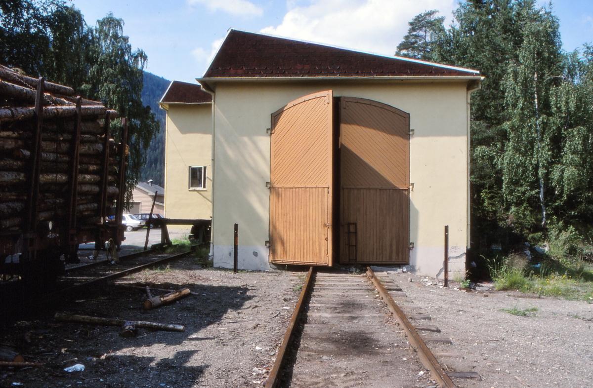 Lokomotivstallen på Fagernes stasjon.