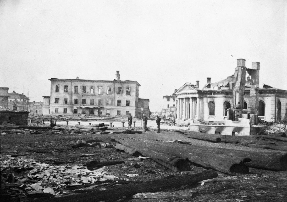 Efter Gävle branden 1869. Vid Börsplan.