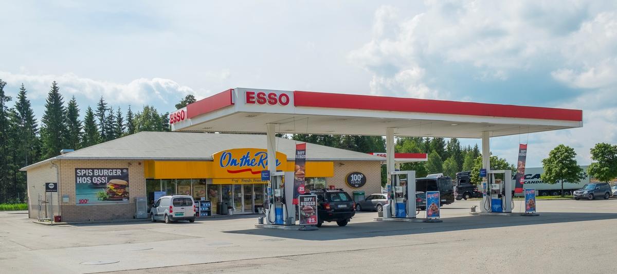 Esso bensinstasjon Lokevegen Jessheim Ullensaker