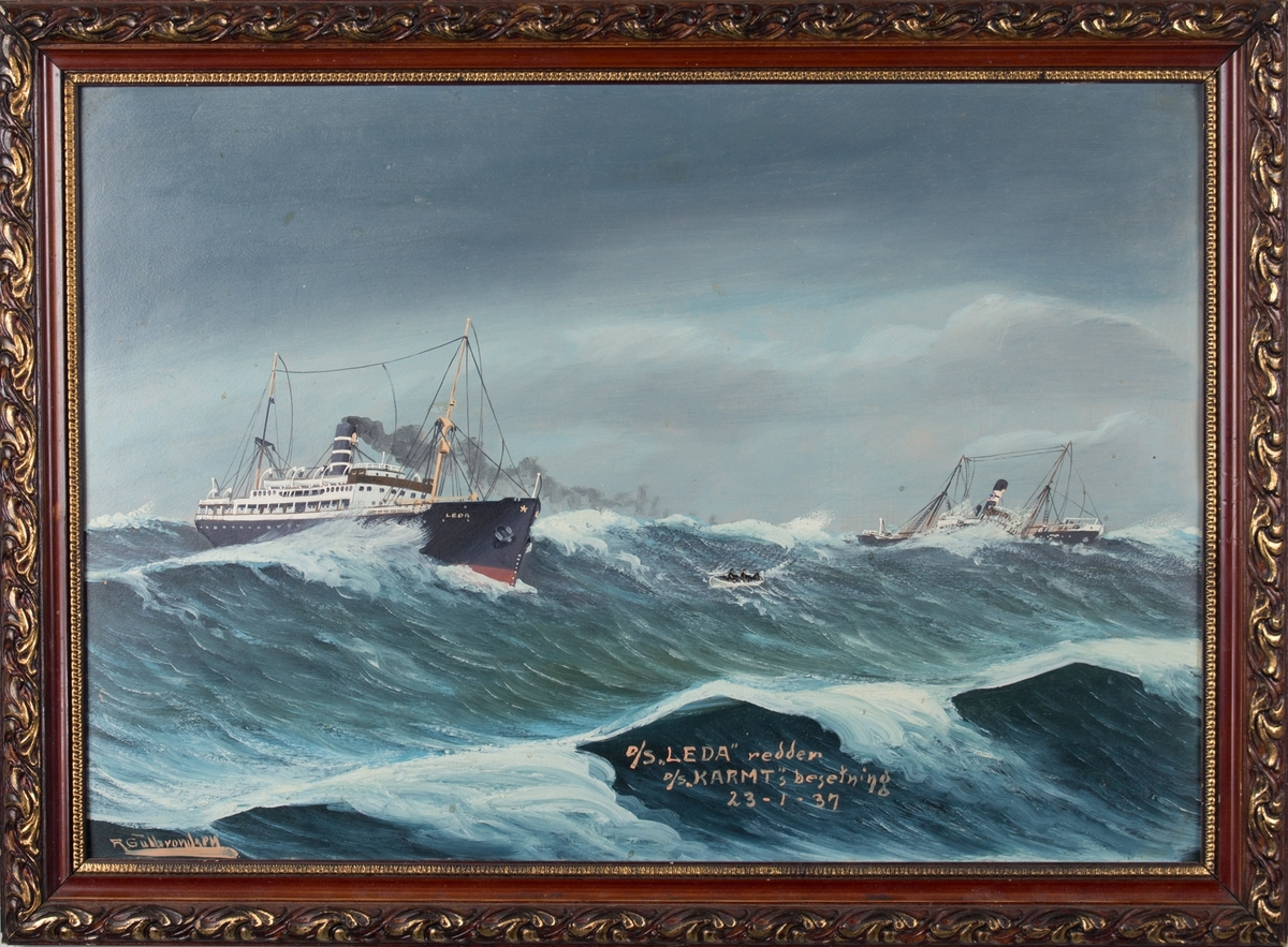 Skipsbilde av redningsaksjon, TS LEDA reddet mannskap fra DS KARMT da skipet kom i havsnød og sank nordvest for Utsira.