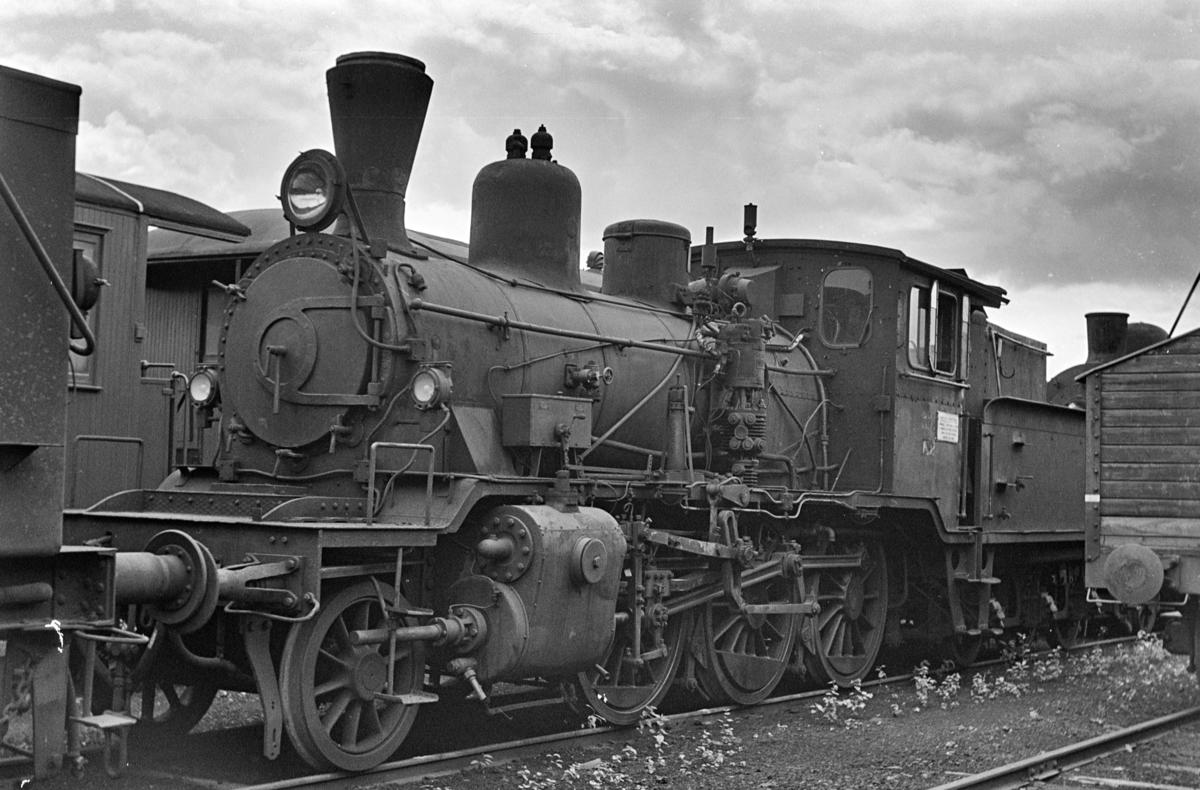 Damplokomotiv type 21c nr. 374, hensatt i Lodalen. i Oslo.