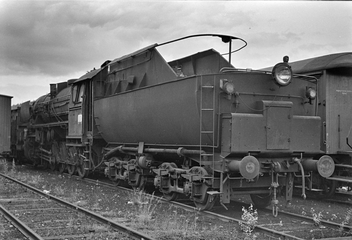 Damplokomotiv type 63a nr. 1100 hensatt i Lodalen i Oslo.