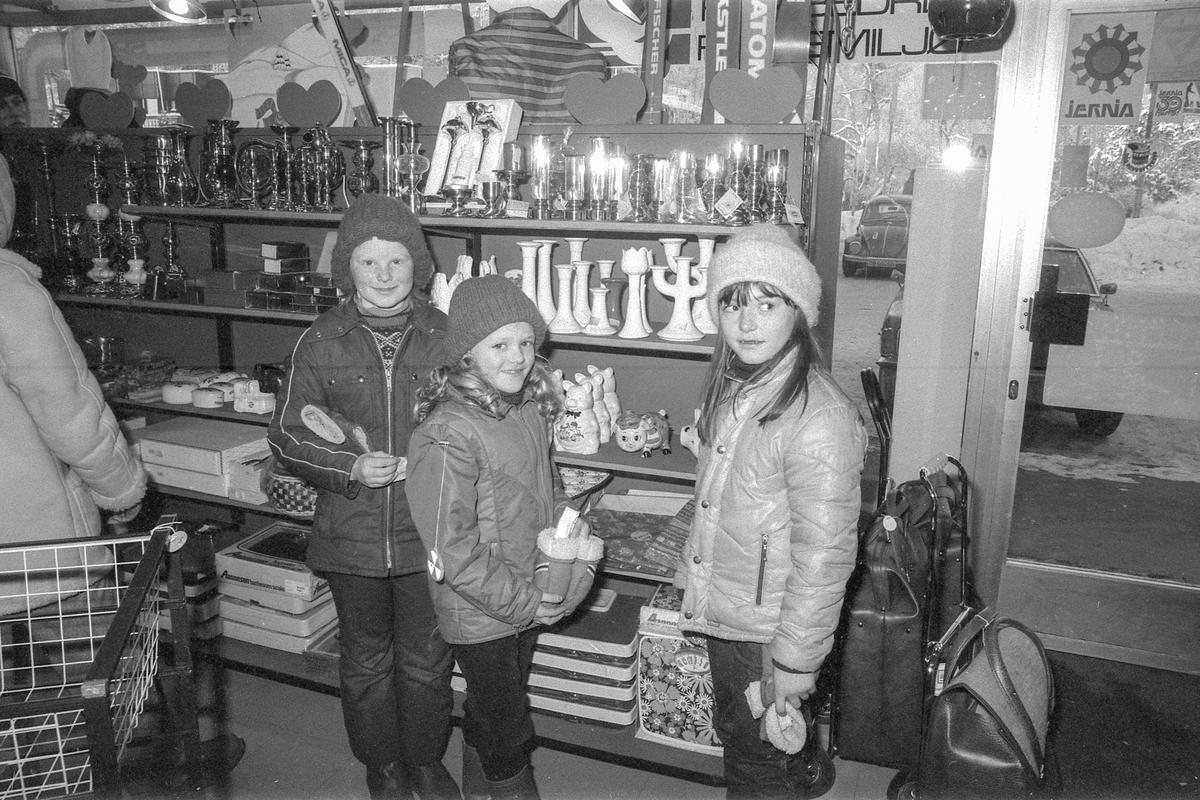 Julegavehandel i sportsforretning på Kolbotn. Gave til den greieste frøkna på hele Kolbotn skole.