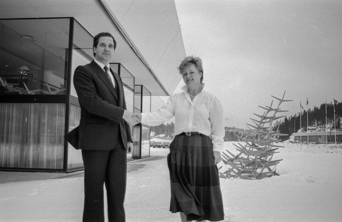 Müllerhotell på Mastemyr. Direktør Harald Jacobsen og Soussjef Berit Aklbäck